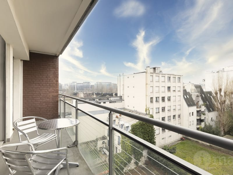 Sale apartment Courbevoie 590000€ - Picture 1