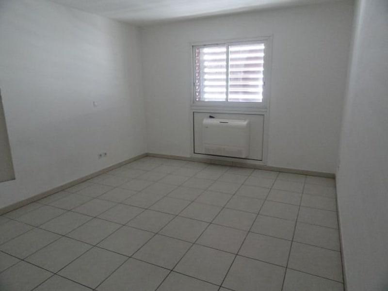 Location appartement St denis 310€ CC - Photo 4
