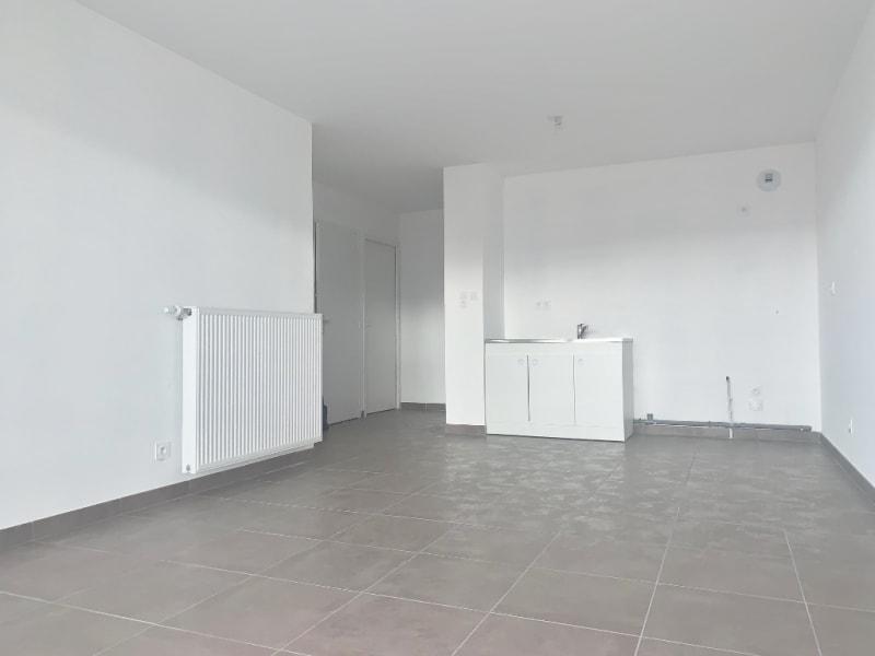 Rental apartment Bourgoin jallieu 565€ CC - Picture 2