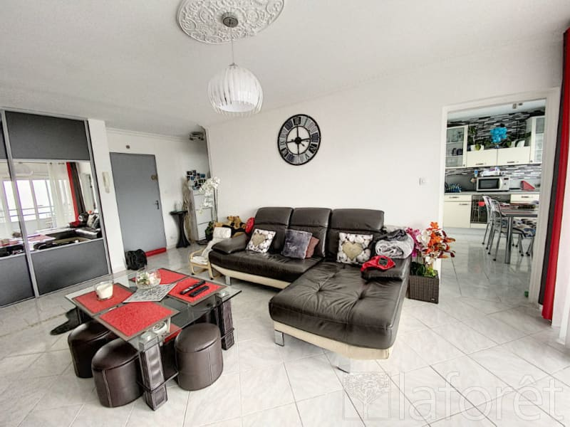 Sale apartment L isle d abeau 159900€ - Picture 8