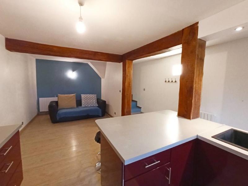 Rental apartment Breux-jouy 688€ CC - Picture 1