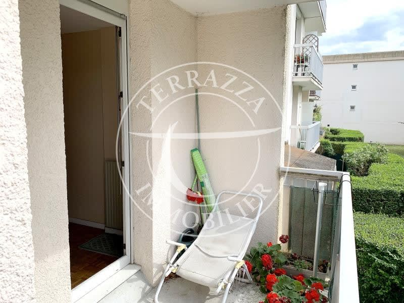 Sale apartment Le port marly 355000€ - Picture 3