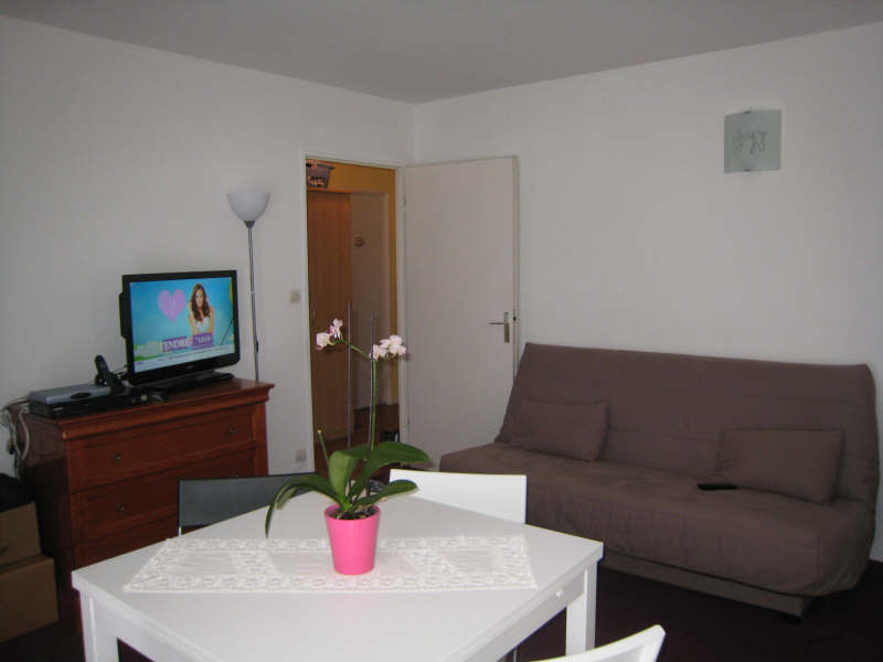 Rental apartment Osny 765€ CC - Picture 2