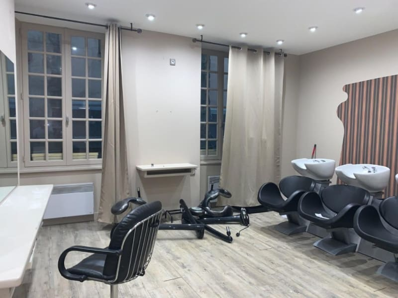 Location local commercial Rodez 658€ HC - Photo 3