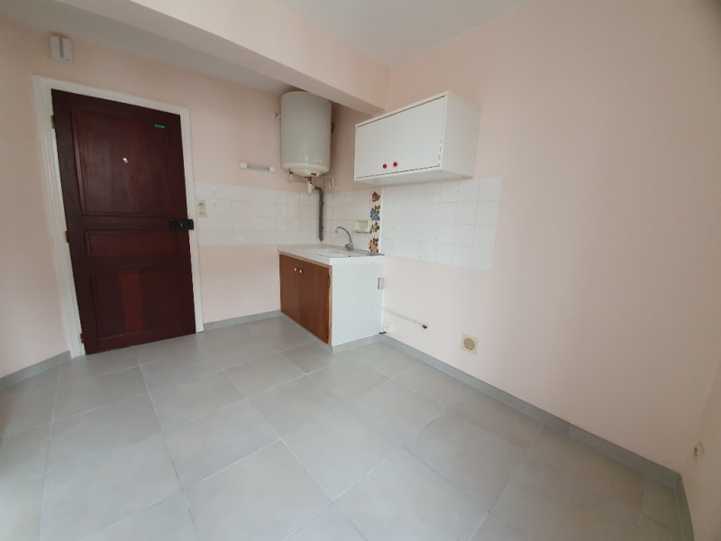 Rental apartment Courville sur eure 360€ CC - Picture 2
