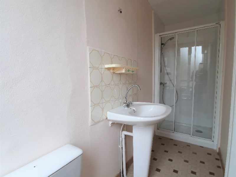 Location appartement Courville sur eure 360€ CC - Photo 3