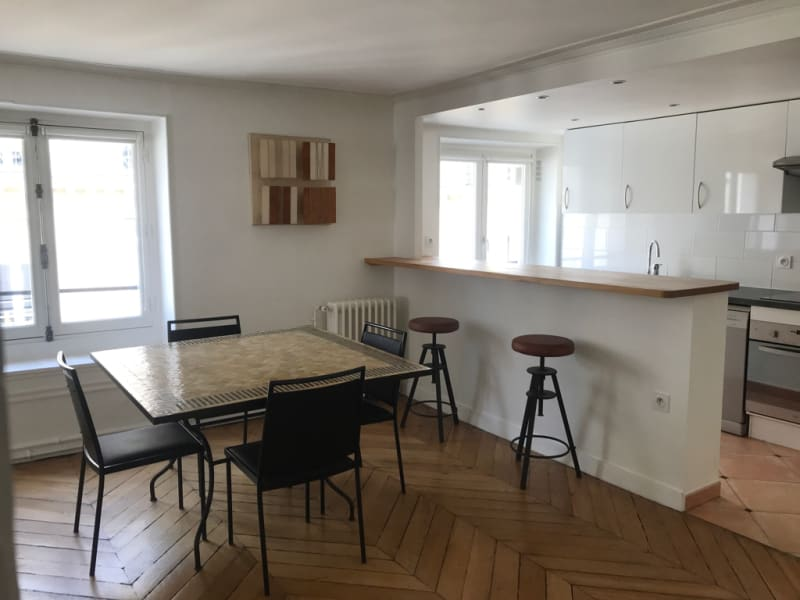 Rental apartment Paris 8ème 2 850€ CC - Picture 1