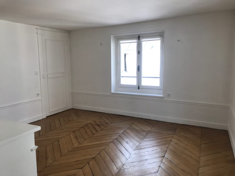 Rental apartment Paris 8ème 2 850€ CC - Picture 3