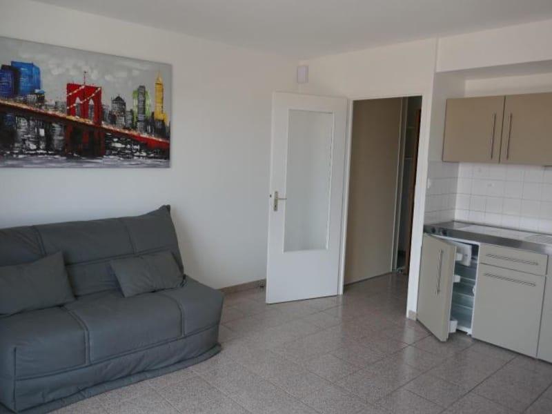 Rental apartment Montreal la cluse 356€ CC - Picture 2