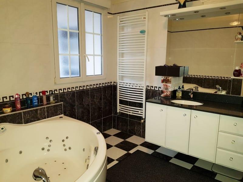 Sale house / villa Livry gargan 395000€ - Picture 11