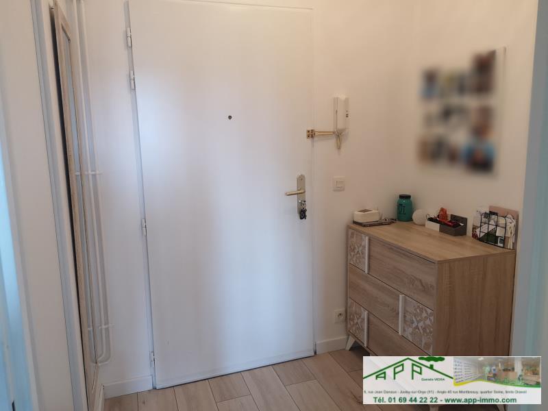Rental apartment St pierre du perray 750€ CC - Picture 9