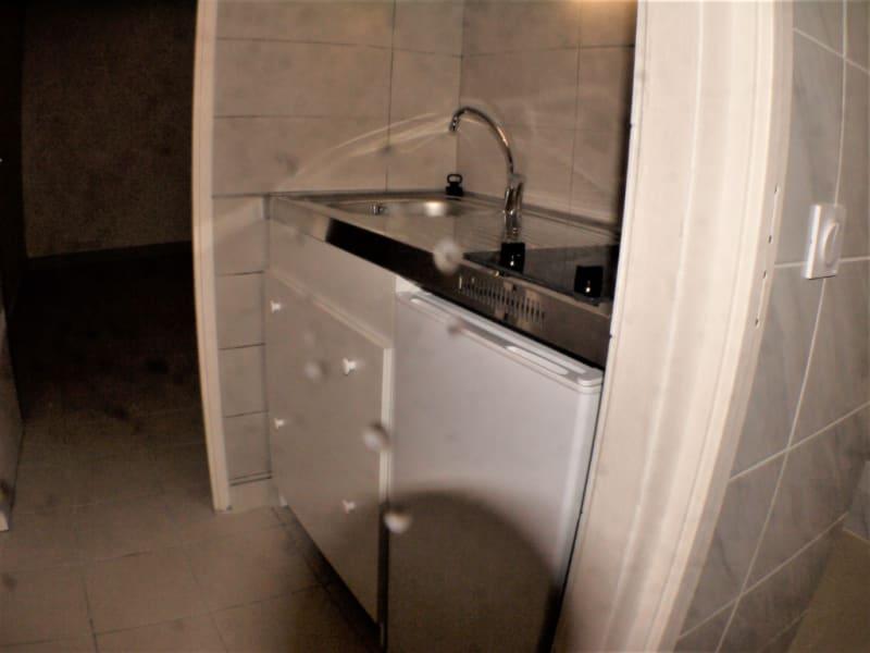Location appartement Marseille 10ème 430€ CC - Photo 3