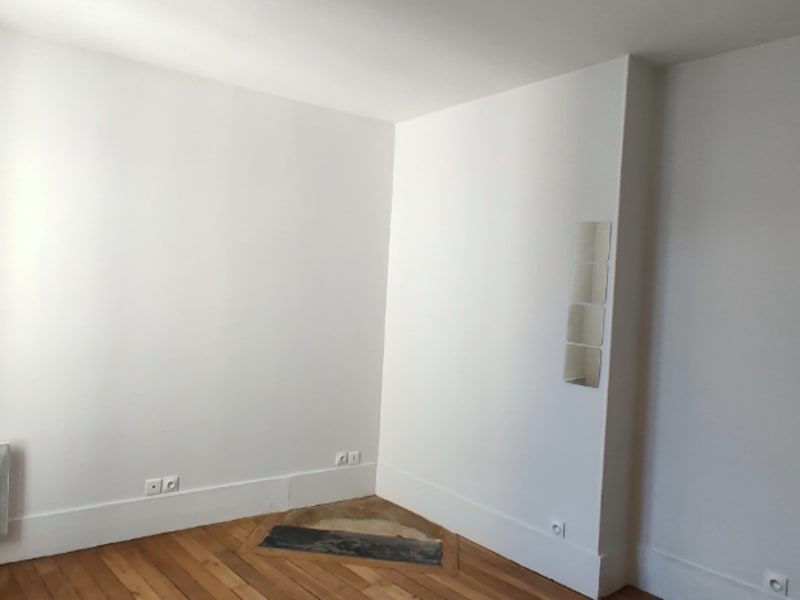 Rental apartment Clichy 672€ CC - Picture 2