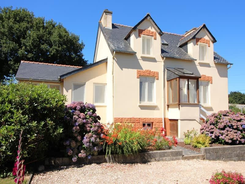 Vente maison / villa Mael carhaix 149800€ - Photo 1