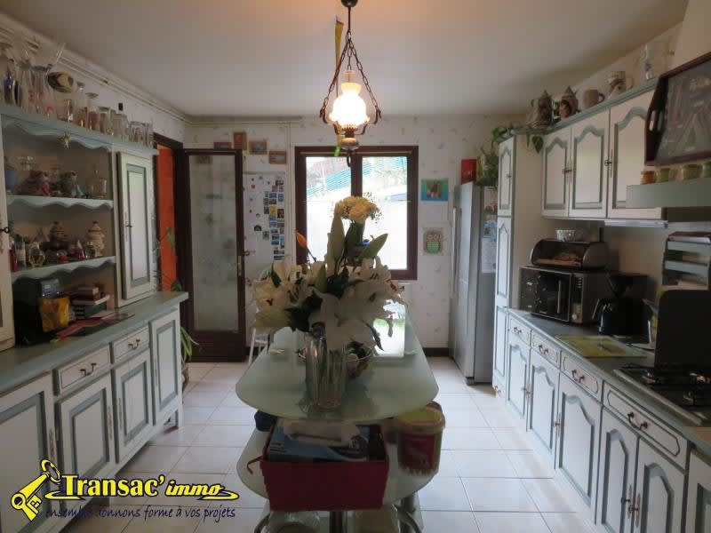 Sale house / villa Chateldon 179 985€ - Picture 3