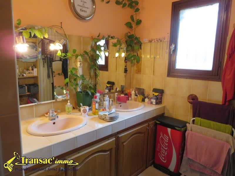 Sale house / villa Chateldon 179 985€ - Picture 8