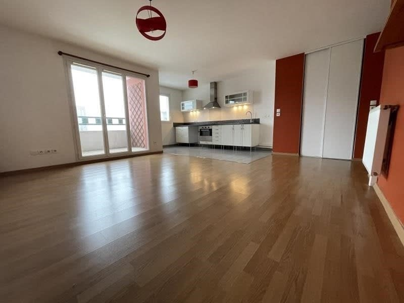 Rental apartment La plaine st denis 1 210€ CC - Picture 1