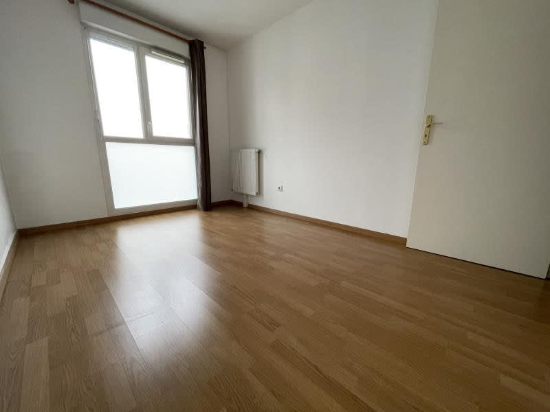 Rental apartment La plaine st denis 1 210€ CC - Picture 5