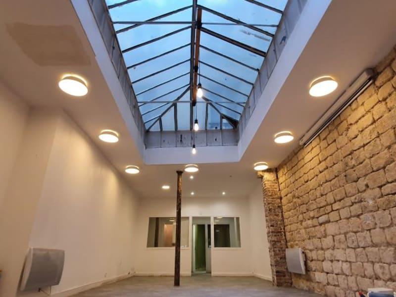 Rental empty room/storage Paris 10ème 3600€ HC - Picture 4