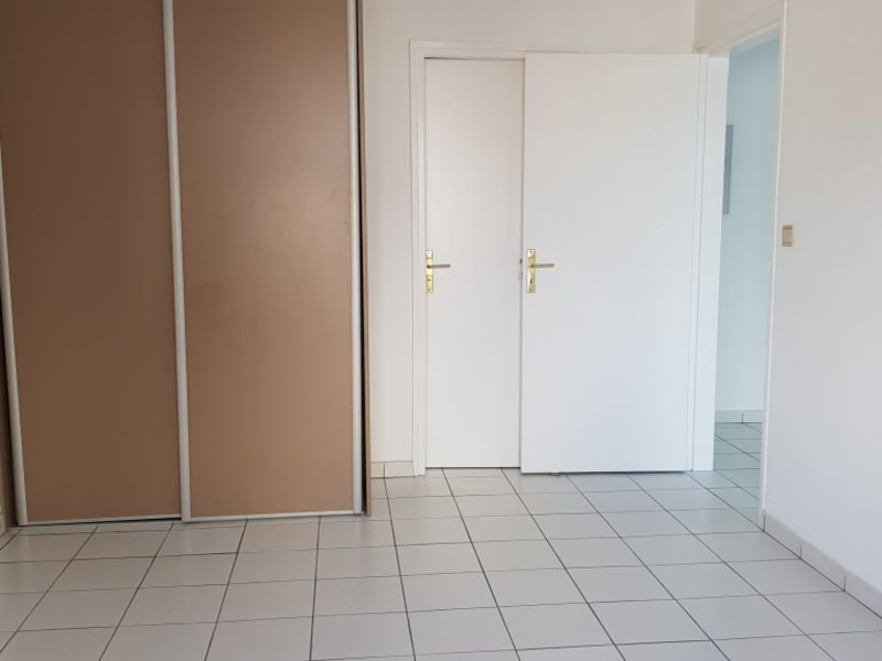 Location appartement St denis 640€ CC - Photo 6