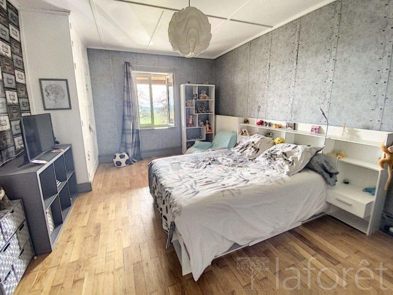 Sale house / villa La cote saint andre 350000€ - Picture 10