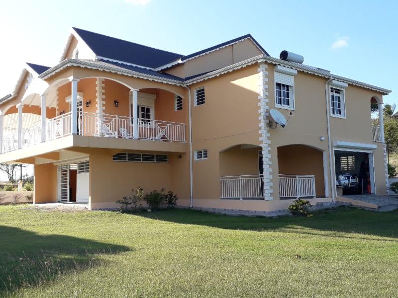 Location maison / villa Petit canal 800€ CC - Photo 2