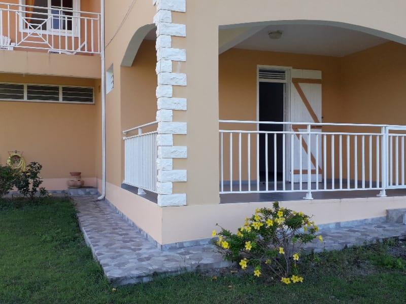 Location maison / villa Petit canal 800€ CC - Photo 3