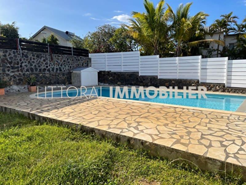 Rental house / villa Saint gilles les bains 2420€ CC - Picture 1