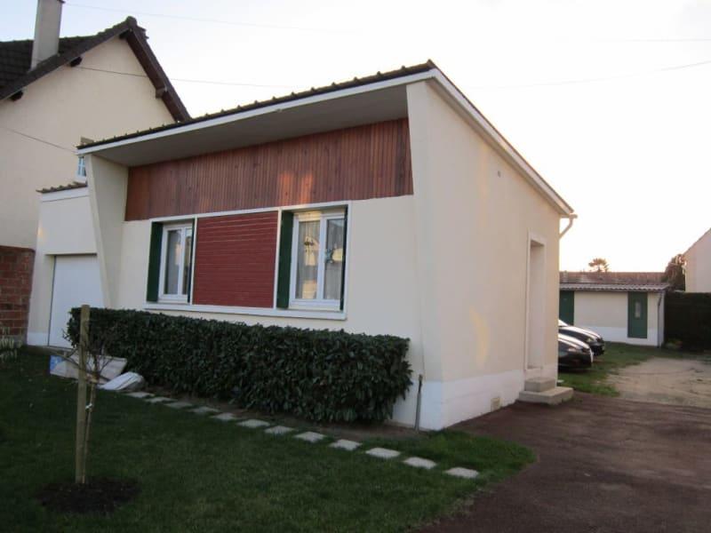 Rental house / villa Livry gargan 690€ CC - Picture 1