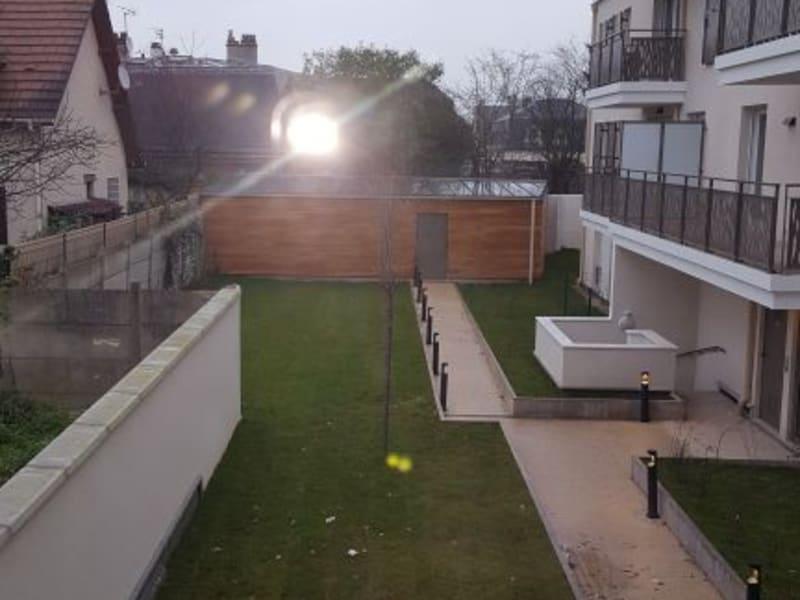 Rental apartment Livry gargan 980€ CC - Picture 11