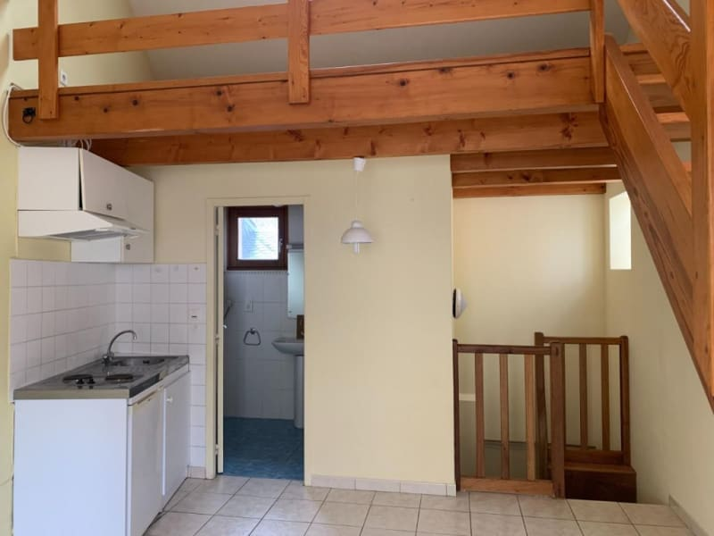 Location appartement Laissac 280€ CC - Photo 1