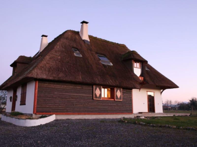 Sale house / villa Bazet 237000€ - Picture 2