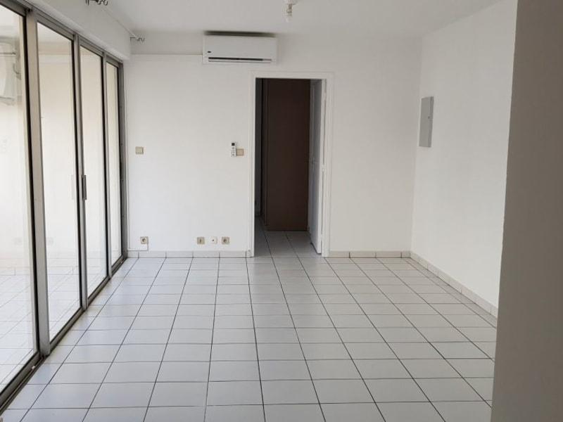 Location appartement St denis 640€ CC - Photo 2