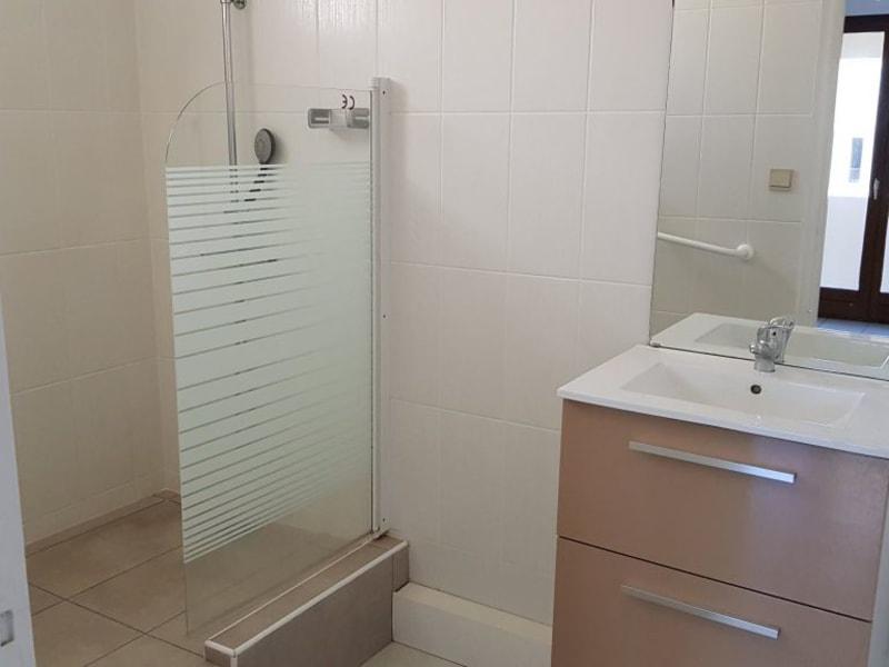 Location appartement St denis 640€ CC - Photo 4