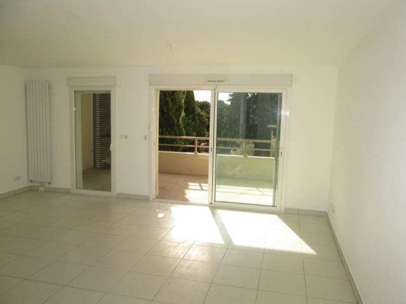 Location appartement Sete 936€ CC - Photo 2