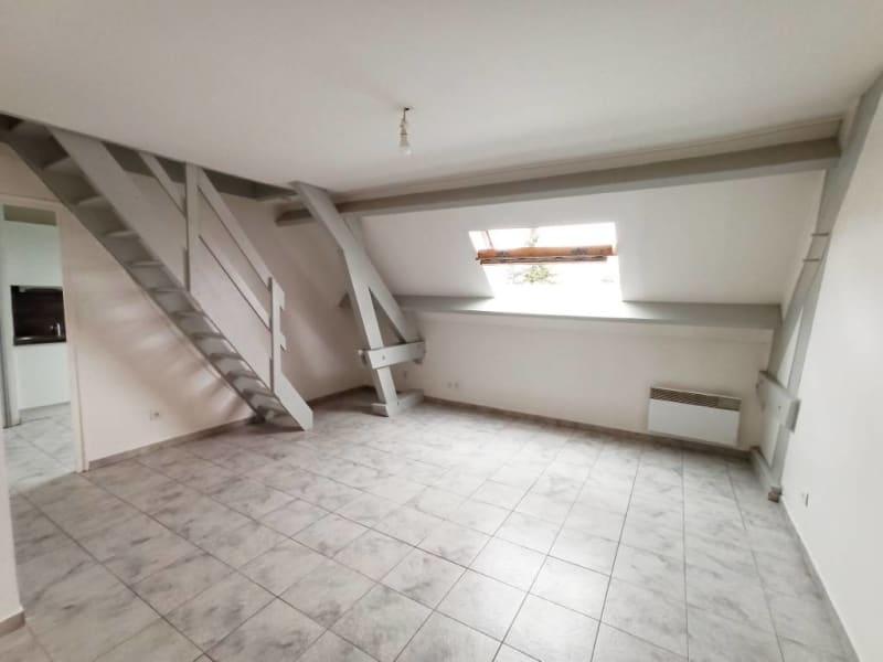 Rental apartment Ollainville 660€ CC - Picture 1