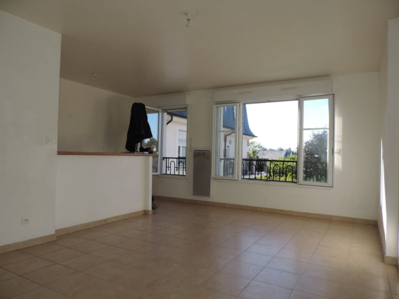 Rental apartment Livry gargan 870€ CC - Picture 2