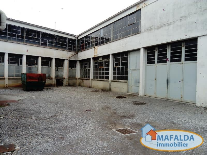 Vente local commercial Marnaz 840 000€ - Photo 2