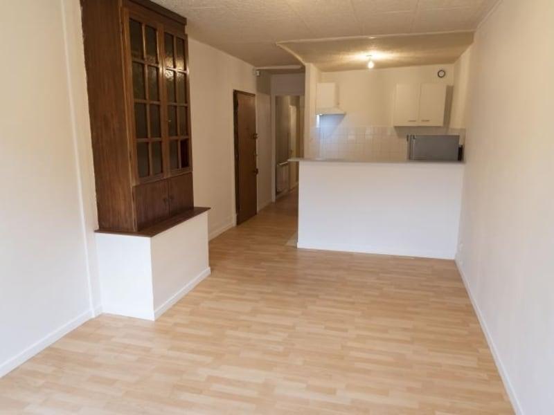 Rental apartment Nantua 335€ CC - Picture 2