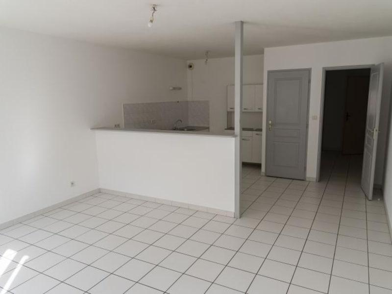 Rental apartment Nantua 389€ CC - Picture 2