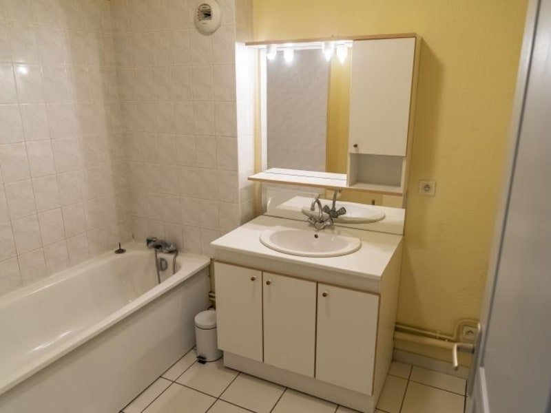Rental apartment Nantua 389€ CC - Picture 5