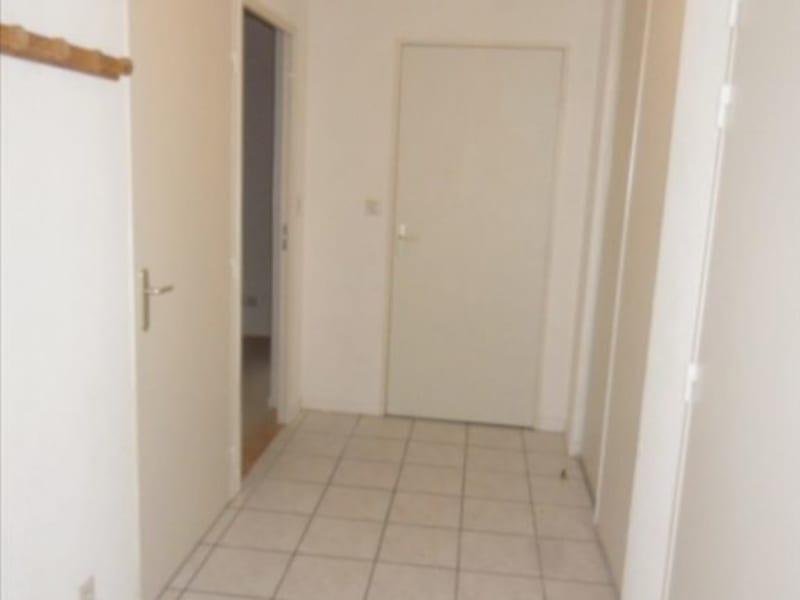 Rental apartment Montereau fault yonne 615€ CC - Picture 1