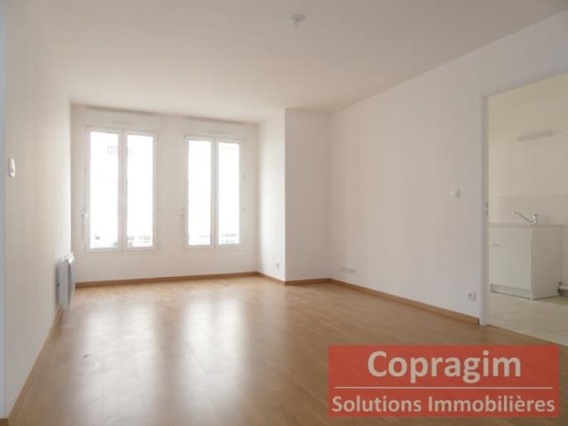 Rental apartment Montereau fault yonne 800€ CC - Picture 3