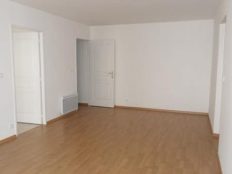 Rental apartment Montereau fault yonne 800€ CC - Picture 4