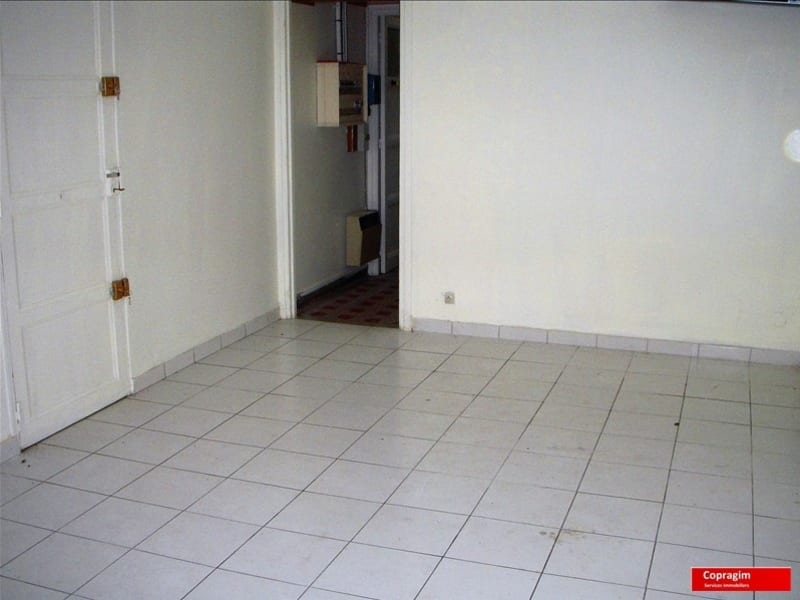 Rental empty room/storage Montereau fault yonne 500€ HC - Picture 2