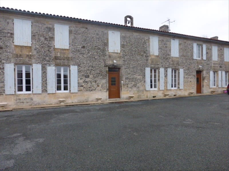 Deluxe sale house / villa Berneuil 399 000€ - Picture 2