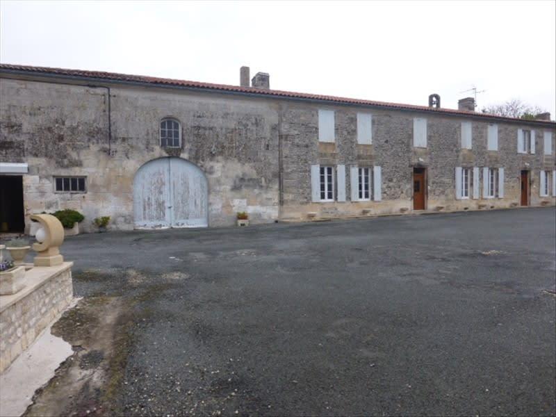 Vente de prestige maison / villa Berneuil 399000€ - Photo 5