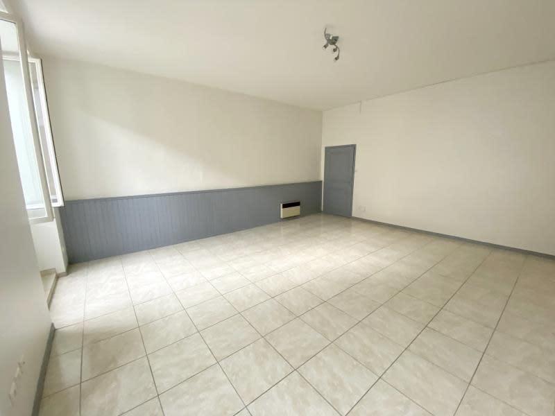 Location appartement Orgon 610€ CC - Photo 1