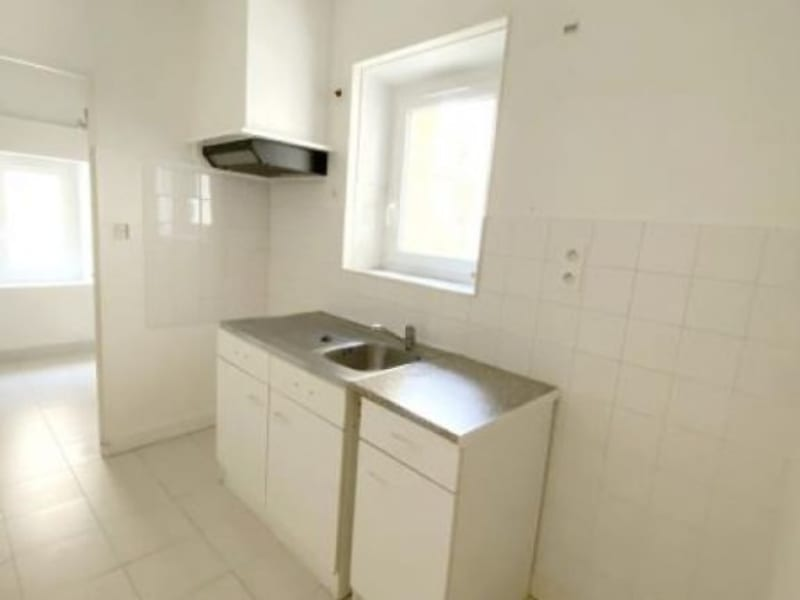 Rental apartment Orgon 530€ CC - Picture 2