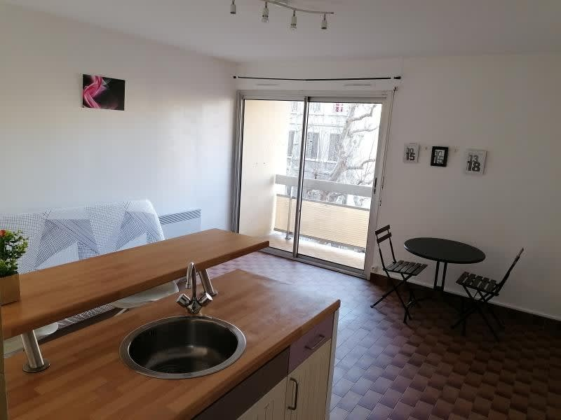 Location appartement Marseille 3ème 470€ CC - Photo 2